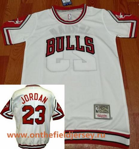 Men's Chicago Bulls #23 Michael Jordan White Retro Short-Sleeves Legend Swingman Stitched NBA Basketball Retro Jersey